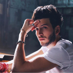 Sebastian Yatra Robarte Un Beso - One World: Together At Home Lyrics